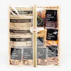 This Dried Fruit, Biltong and Nuts Hamper combines all your favorites together, nuts, dried fruits and biltong. Deliver all over South Africa.