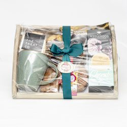This Coffee Tray For One Large is the perfect gift for treating yourself or someone special. We have a great mix of biscuits, sweets and more. Deliver Nationally.